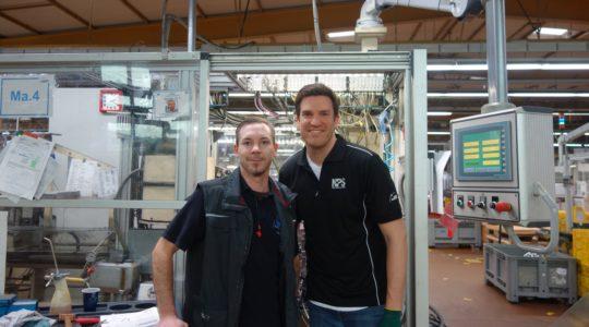 Andi und ich in der Produktion der TORRO-Schlauchschellen in Maintal.