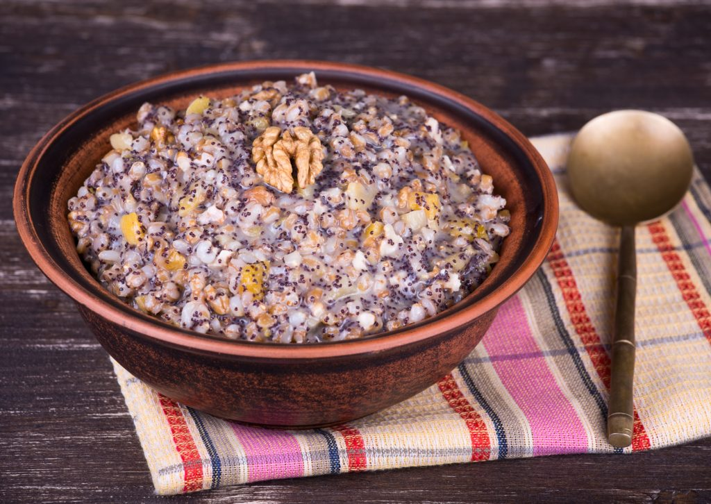 That's kutja, a sweet grain dish made of wheat, honey, nuts, poppy seeds and raisins. The dessert is traditionally served on Christmas in Russia, Belarus, Ukraine and Poland.